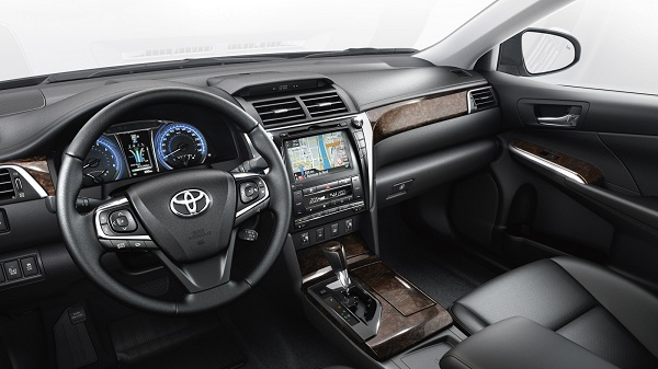 toyota-Camry-2017-noi-that