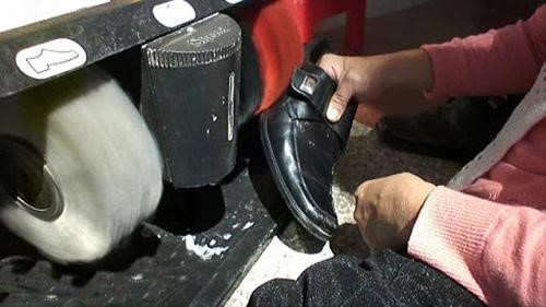 dụng cụ đánh giày từ lâu đã trở thành sản phẩm được nhiều người tin dùng