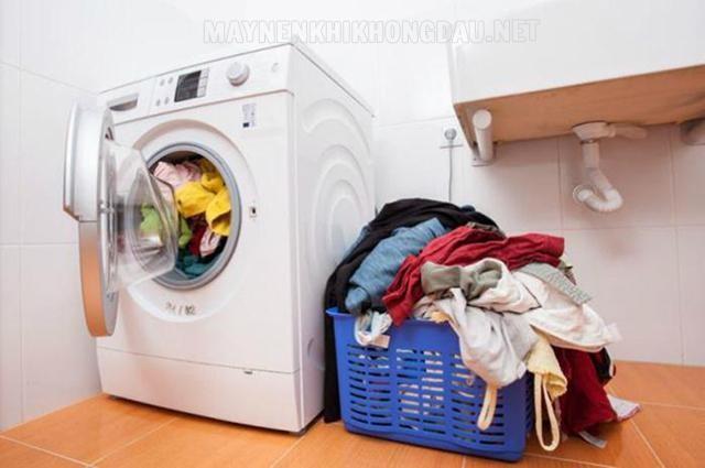 Máy giặt Sanyo báo lỗi do quá tải cũng không phải tình trạng hiếm gặp.
