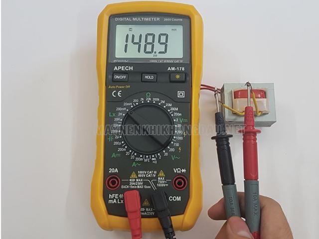 Máy đo điện cảm.