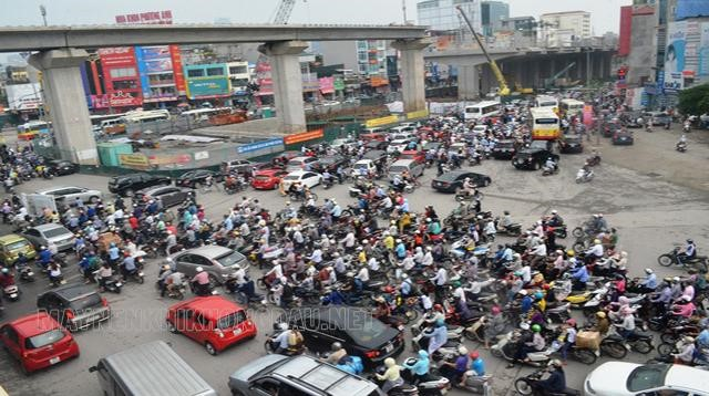 Phương tiện giao thông đường bộ chủ yếu ở nước ta là xe cơ giới.